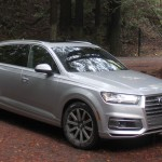 2017-audi-q7-front-angle-parked-1500x1000