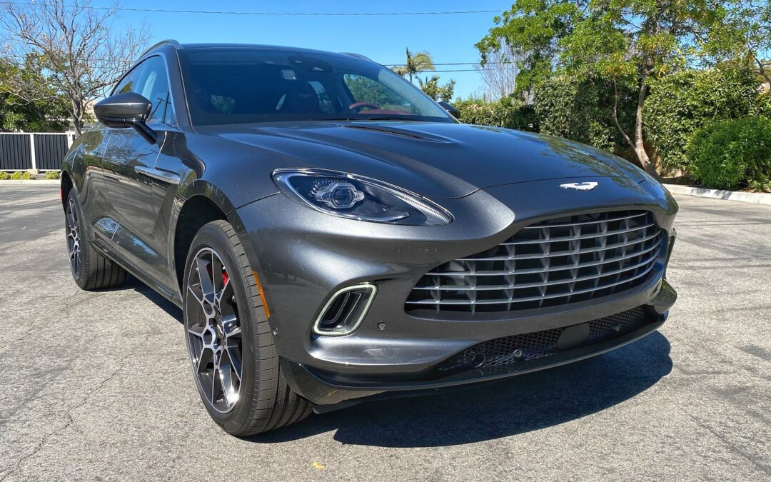 2021 Aston Martin DBX Video Review